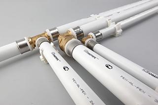 Соединение труб с помощью фитингов